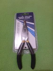 Image Description: a pair of split-ring pliers with black handles